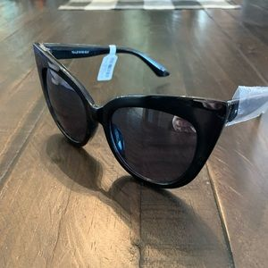 Torrid Cat Eye Sunglasses NWT